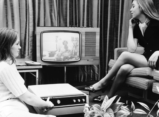 The new EVR system which allows the recording of television programmes which can then be watched at the owner's discretion. The new Teleplayer has been produced in partnership with Rank Bush Murphy Ltd and EVR and has enormous potential. 21st September 1970. (Photo by Central Press/Getty Images)