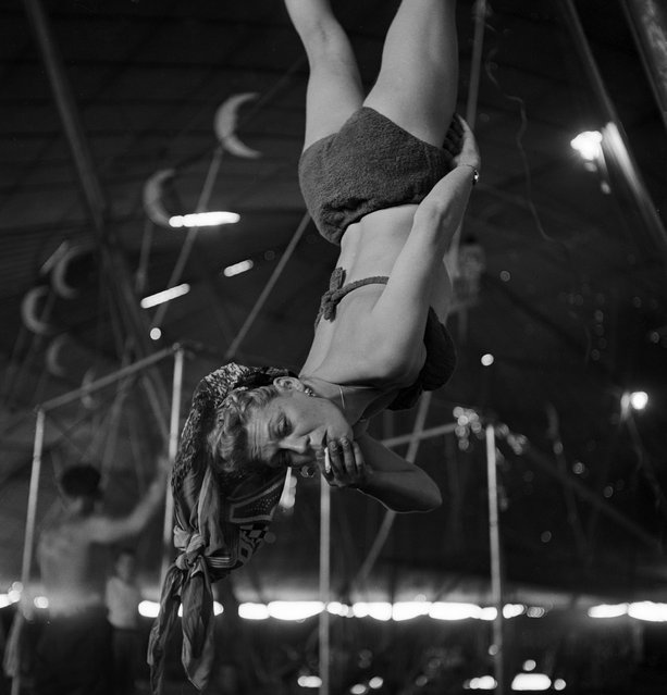 An aerialist smoking while rehearsing for the Ringling Bros. and Barnum & Bailey Circus in Sarasota, FL in 1949. (Photo By Nina Leen/Time Life Pictures/Getty Images)