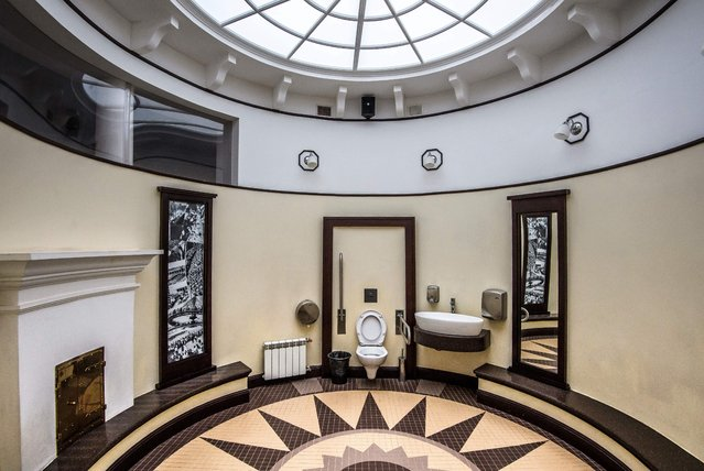 A photograph taken on November 12, 2017 shows the interior of the historic public toilet at the Gorky Central Park of Culture and Leasure in Moscow, Russia. The public toilet in the park was built in 1933 by the Soviet architect A.V. Vlassov and is an example of the Socialist Realism movement in the Soviet block's architecture and culture. (Photo by Mladen Antonov/AFP Photo)