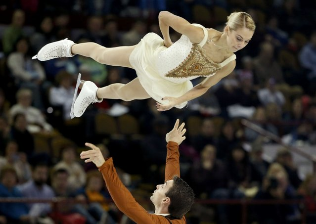 Alexa Scimeca and Chris Knierim of the U.S. perform during the pairs free skate program at the Skate America figure skating competition in Milwaukee, Wisconsin October 24, 2015. (Photo by Lucy Nicholson/Reuters)