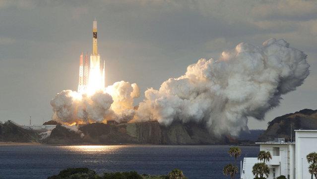 Japan's H-2A rocket lifts off carrying Defense Ministry's first communications satellite Kirameki-2 from the Tanegashima Space Center in Minamitane on Tanegashima Island, southern Japan, Tuesday, January 24, 2017. (Photo by Yu Nakajima/Kyodo News via AP Photo)