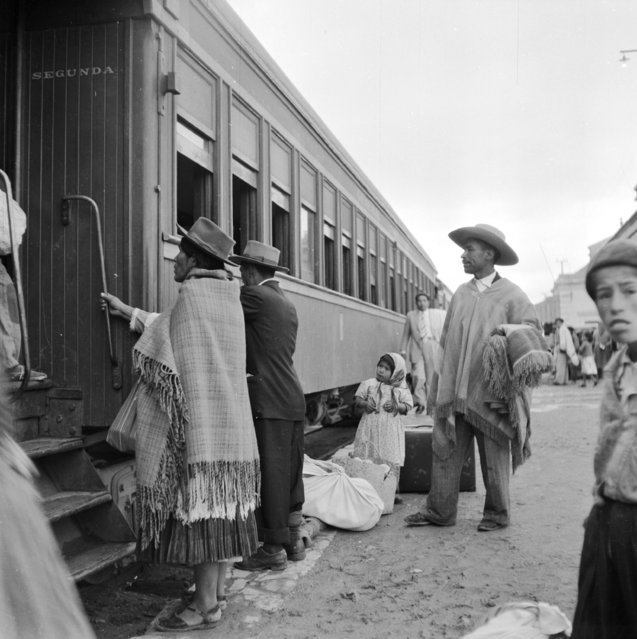 Departure of the La Paz to Buenos Aires express from the Argentine frontier station La Quiaca, circa 1955. (Photo by Three Lions/Getty Images)