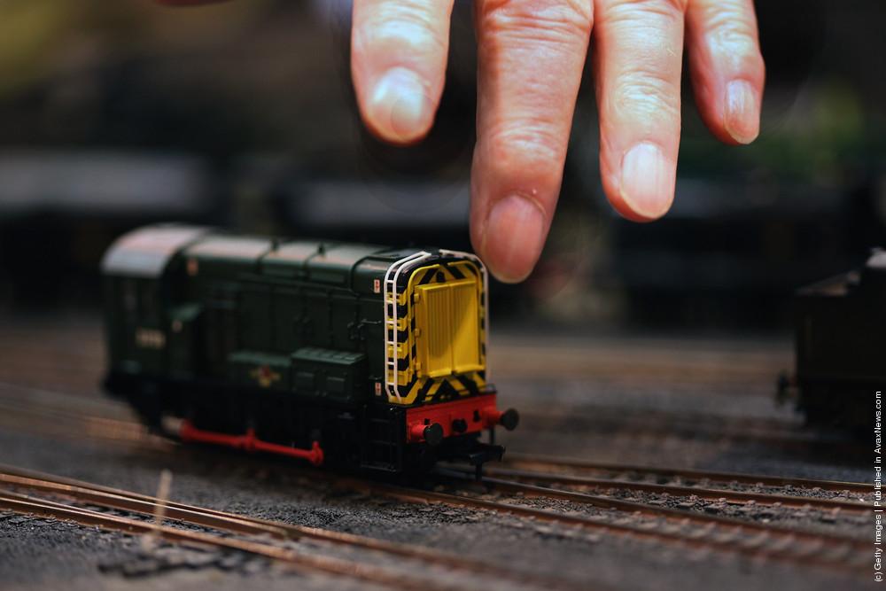 Model Rail Enthusiasts Visit the Model Rail Scotland Exhibition