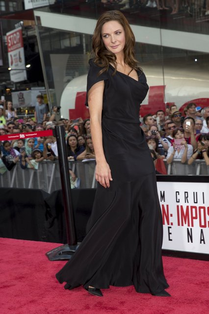"""Actress Rebecca Ferguson poses on the red carpet for a screening of the film """"Mission Impossible: Rogue Nation"""" in New York July 27, 2015. (Photo by Brendan McDermid/Reuters)"""