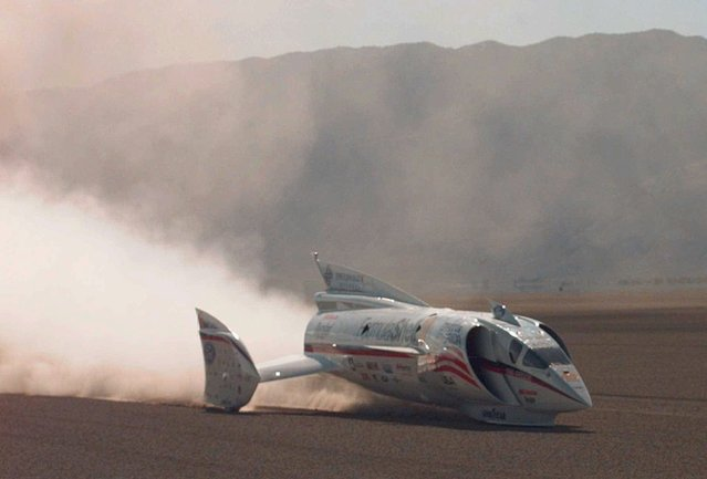Craig Breedlove drives his jet-powered Spirit of America during its first test run on the Black Rock Desert in Gerlach, Nev., Saturday September 6, 1997. Breedlove hit 227 mph on the run. (Photo by Eric Risberg/AP Photo)