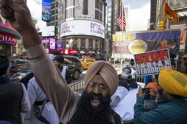 """A protester chants slogans during the """"Freedom Rally"""" held to bring international attention to what the demonstrators say is the imprisonment of 80 Sikh political prisoners in India, at Times Square, New York, October 17, 2015. (Photo by Darren Ornitz/Reuters)"""