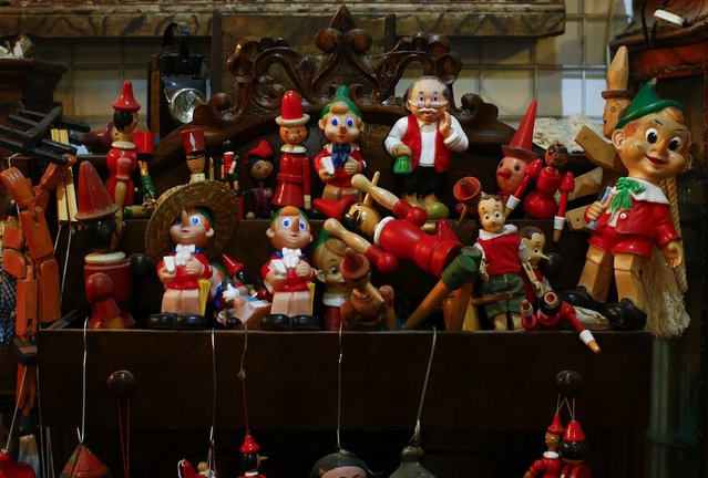 Toys are displayed in the Museum of Domenico Agostinelli in Dragona, near Rome October 30, 2014. (Photo by Tony Gentile/Reuters)