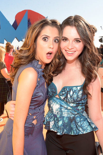 Actresses Laura Marano (L) and Vanessa Marano attend Nickelodeon's 28th Annual Kids' Choice Awards held at The Forum on March 28, 2015 in Inglewood, California. (Photo by Jason Kempin/Getty Images)