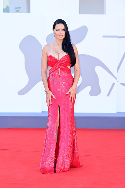 """Adriana Lima attends the red carpet of the movie """"Madres Paralelas"""" during the 78th Venice International Film Festival on September 01, 2021 in Venice, Italy. (Photo by Daniele Venturelli/WireImage)"""