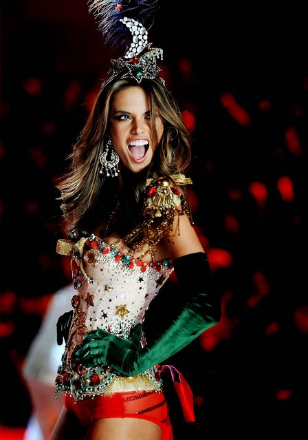 Alessandra Ambrosio walks the runway. (Photo by Charles Sykes/Evan Agostini)