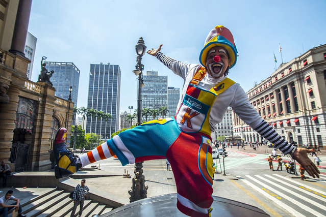 Group of clowns protested in the old center of Sao Paulo, Brazil on October 24, 2016. (Photo by Cris Faga via ZUMA Wire)