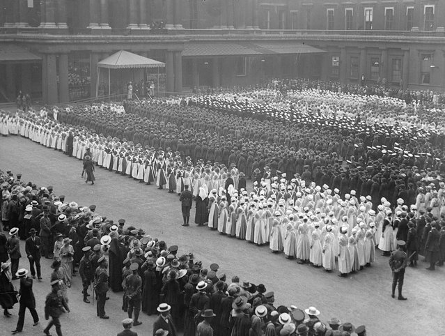 Women war workers march to Buckingham Palace in London. 29th June 1918. (Photo by A. R. Coster/Topical Press Agency)