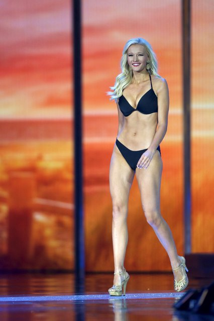 Miss Nebraska, Alyssa Howell competes in the swimsuit competition during the first night of preliminaries of Miss America at Boardwalk Hall in Atlantic City, New Jersey, September 8, 2015. (Photo by Mark Makela/Reuters)