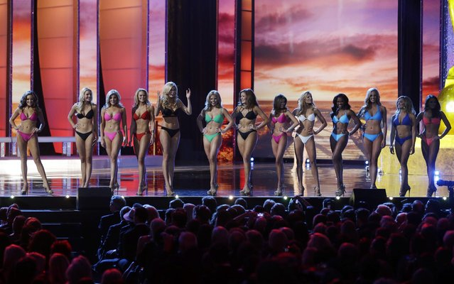 Contestants wear swimsuits as they compete in the 2016 Miss America pageant Sunday, September 13, 2015, in Atlantic City, N.J. (Photo by Mel Evans/AP Photo)
