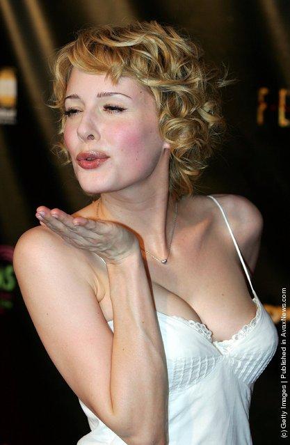 Actress Jenny Wade blows a kiss