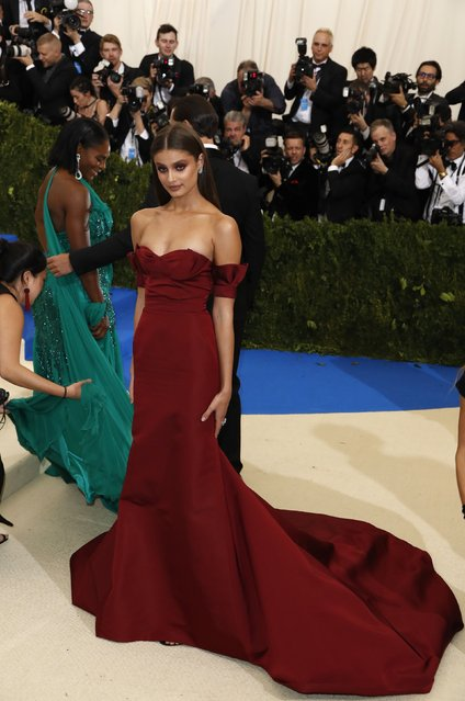 """Model Taylor Hill attends the """"Rei Kawakubo / Comme des Garcons: Art Of The In-Between"""" Costume Institute Gala 2017 at Metropolitan Museum of Art in New York, United States on May 01, 2017. (Photo by Lucas Jackson/Reuters)"""