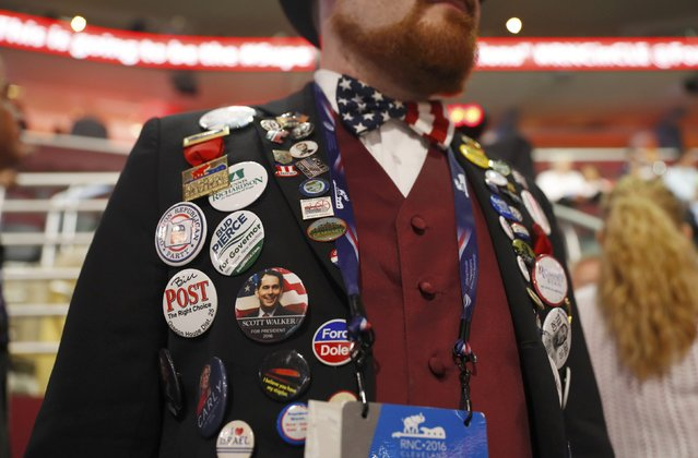 Oregon alternate RNC delegate Nathan Dahlin wears an assortment of political buttons at the Republican National Convention in Cleveland, Ohio, U.S. July 18, 2016. (Photo by Aaron P. Bernstein/Reuters)