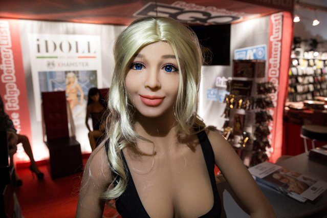 A human-like s*x-doll is on display at the Venus erotic trade fair in Berlin, Germany, 12 October 2017. (Photo by Omer Messinger/EPA/EFE)