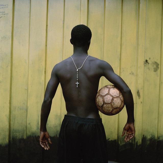 Jessica Hilltout : Amen-Grassroots Football