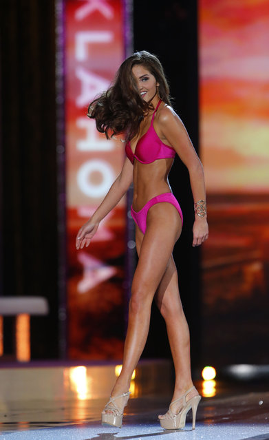 Miss Oklahoma Georgia Frazier competes in the swimsuit competition during the 2016 Miss America pageant, Sunday, September 13, 2015, in Atlantic City, N.J. (Photo by Noah K. Murray/AP Photo)