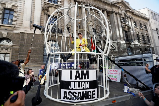 Vivienne Westwood demonstrates outside the Old Bailey in support of Julian Assange, in London, Britain, July 21, 2020. (Photo by Peter Nicholls/Reuters)