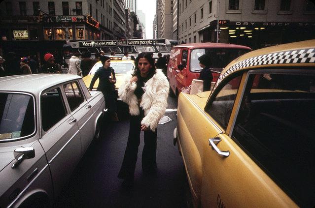 Midtown traffic congestion and jaywalking pedestrians, in April of 1973. (Photo by Dan McCoy/NARA via The Atlantic)