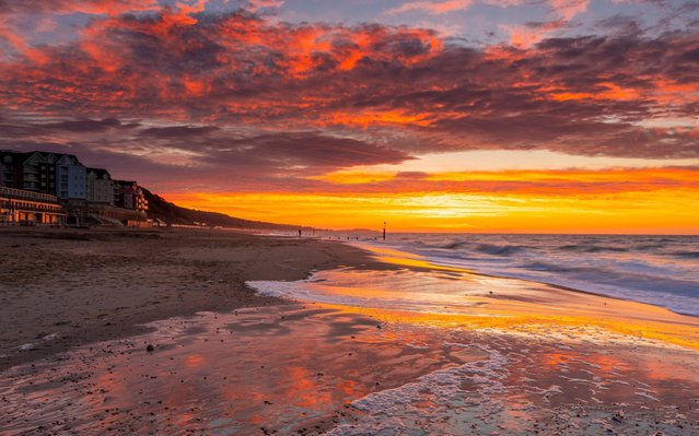The sunrise at Boscombe beach at Bournemouth in Dorset, southwest United Kingdom on February 23, 2021. (Photo by Steve Hogan/pictureexclusive.com)