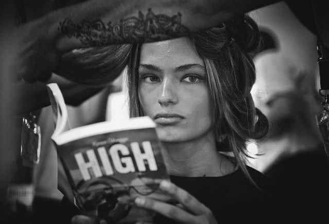 Models prepare backstage ahead of the Strateas.Carlucci show at Mercedes-Benz Fashion Week Australia 2015 at Carriageworks on April 13, 2015 in Sydney, Australia. (Photo by Ryan Pierse/Getty Images)