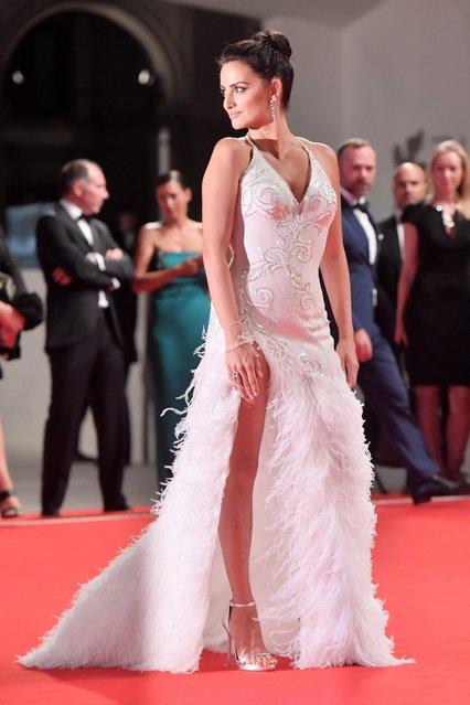 "Penelope Cruz during the red carpet of film ""Loving Pablo"" at the 74 th Venice International Film Festival, Venice, Italy on September 6, 2017. (Photo by Alexander Tuma/AFP Photo/Starpix)"