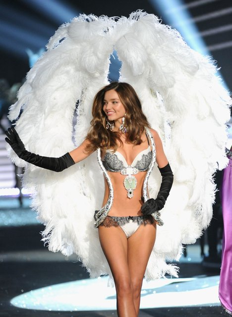 Victoria's Secret Angel Miranda Kerr walks the runway during the 2012 Victoria's Secret Fashion Show at the Lexington Avenue Armory on November 7, 2012 in New York City.  (Photo by Jamie McCarthy/Getty Images)