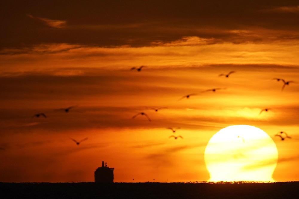 Sunrises and Sunsets, Part 2/2
