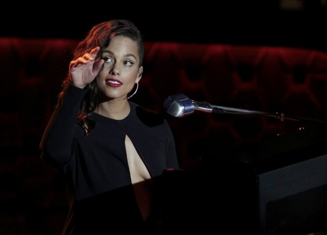 Musician Alicia Keys performs during Sinatra 100 - An All-Star Grammy Concert in Las Vegas, Nevada December 2, 2015. The star-studded tribute was held to mark the would be 100th birthday of legendary performer Frank Sinatra on December 12. (Photo by Steve Marcus/Reuters)