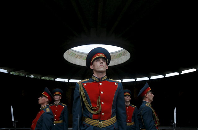 Members of the Russian honor guard perform a ceremonial change-over at the Military Glory hall of the Mamayev Kurgan (Mamayev Hill) World War Two memorial complex in the city of Volgograd, Russia, July 15, 2015. (Photo by Maxim Shemetov/Reuters)