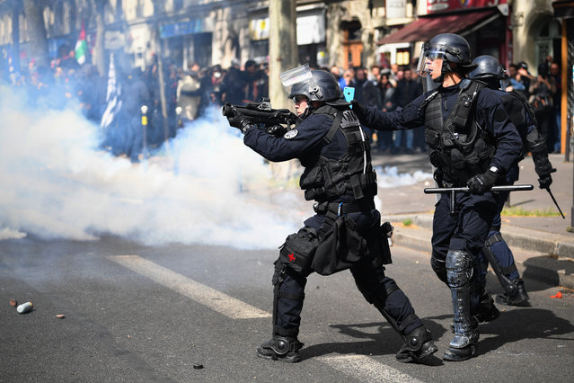 Demonstrators confront police on the annual May Day worker's march on May 1, 2017 in Paris, France. Police dealt with violent scenes in central Paris during the rally held close to the Place de la Bastille, where protestors shouted 'Fascists out!'. (Photo by Jeff J. Mitchell/Getty Images)