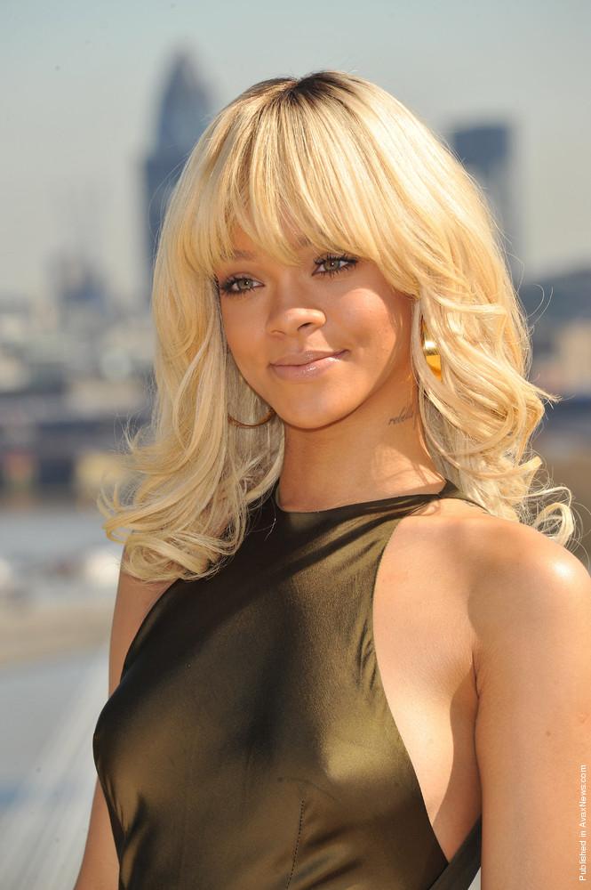Photoshoot: Rihanna & Brooklyn Decker – Battleship