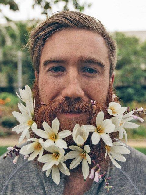 Flower beard. (Photo by chrisbrinleejr/Tumblr)