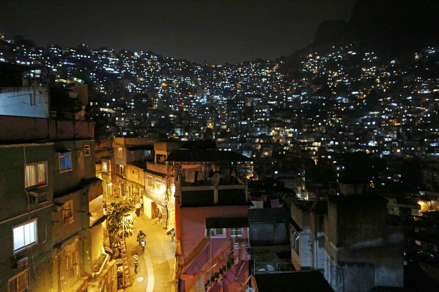 "A general view of the Rocinha favela, one of the slums that was included in the ""police pacification unit"" program that began in 2008, in Rio de Janeiro, Brazil, July 25, 2016. Picture taken July 25, 2016. (Photo by Bruno Kelly/Reuters)"