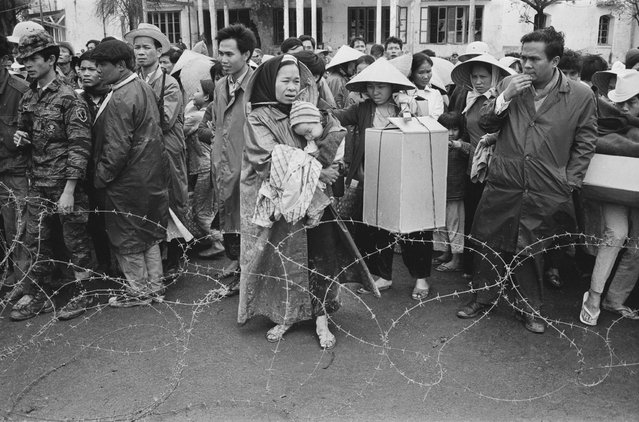 Vietnamese refugees returning to the city of Huế after the Battle of Huế, Vietnam War, February 1968. (Photo by Terry Fincher/Daily Express/Hulton Archive/Getty Images)