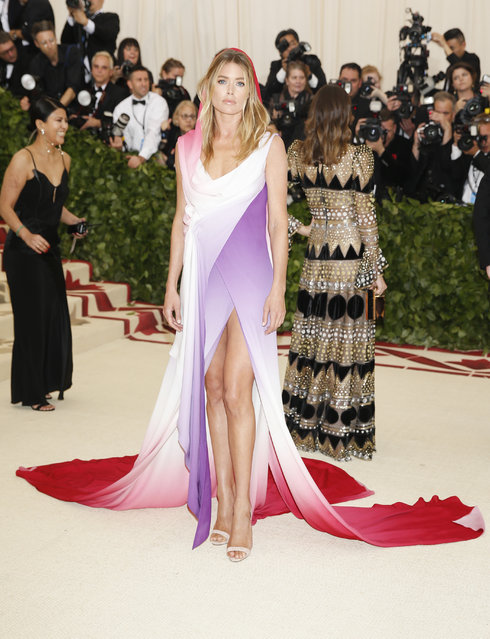Doutzen Kroes attends The Metropolitan Museum of Art's Costume Institute benefit gala celebrating the opening of the Heavenly Bodies: Fashion and the Catholic Imagination exhibition on Monday, May 7, 2018, in New York. (Photo by Carlo Allegri/Reuters)