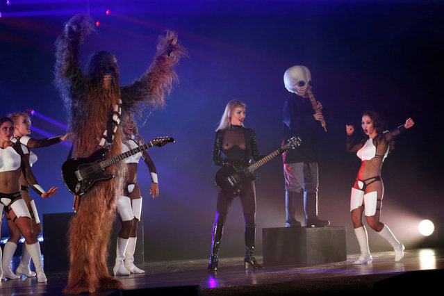 """Performers dance during """"The Empire Strips Back: A Star Wars Burlesque Parody"""" in Los Angeles, California, U.S., June 1, 2018. (Photo by Mario Anzuoni/Reuters)"""