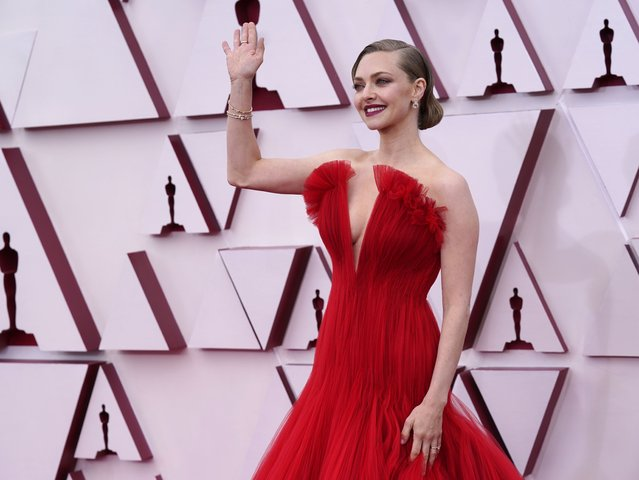 Amanda Seyfried arrives at the Oscars on Sunday, April 25, 2021, at Union Station in Los Angeles. (Photo by Chris Pizzello/Pool via AP Photo)