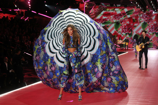 A model presents a creation during the 2018 Victoria's Secret Fashion Show in New York City, New York, U.S., November 8, 2018. (Photo by Mike Segar/Reuters)