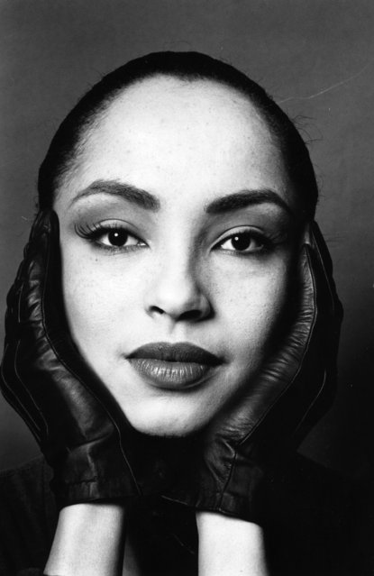 Nigerian-born British singer and songwriter Sade (Helen Folasade), 1990. (Photo by Express Newspapers/Getty Images)