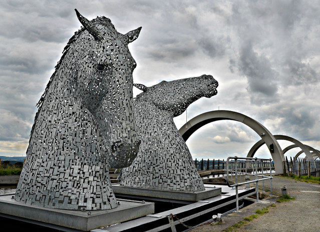 The Kelpies: Mythological Horses Power Again through Scotland
