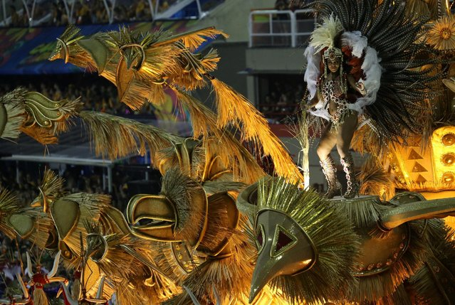Revellers from Uniao da Ilha samba school perform during the second night of the carnival parade at the Sambadrome in Rio de Janeiro, Brazil February 27, 2017. (Photo by Sergio Moraes/Reuters)