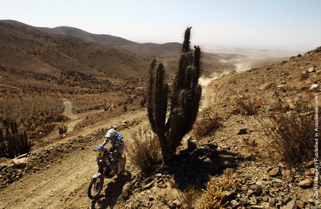Oliver Pain of France and Yamaha Racing France/ELF in action during stage seven of the 2012 Dakar Rally