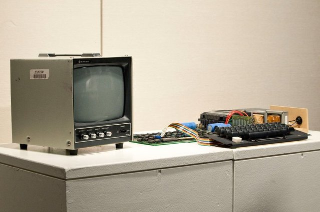 Sotheby's To Auction Working Version Of First Apple Computer Model