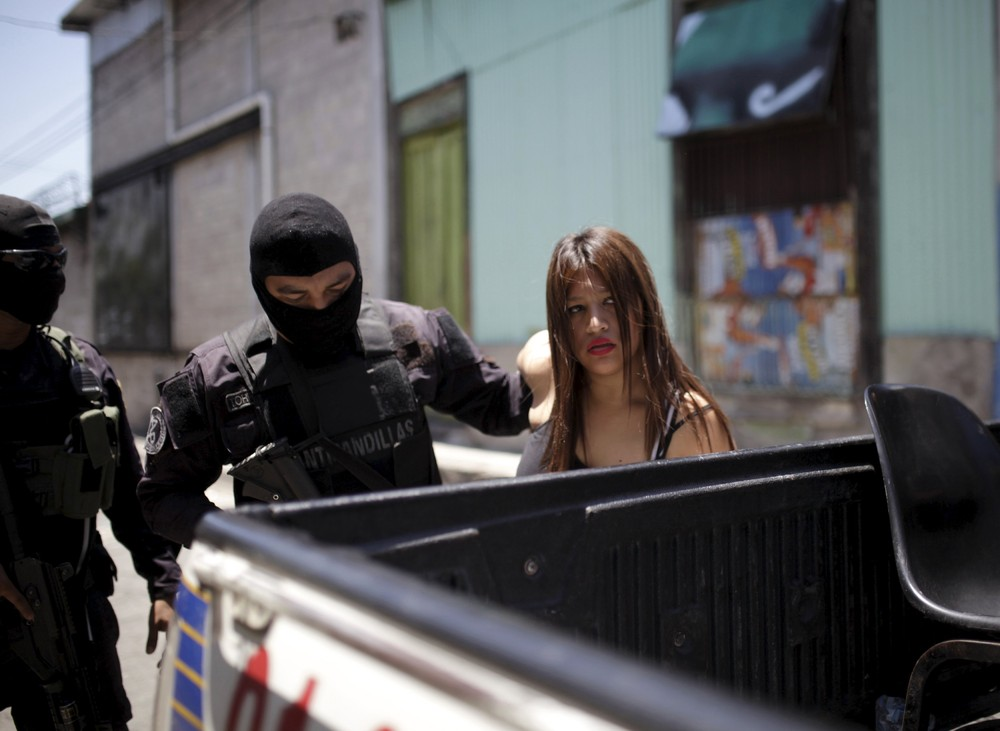 Death in San Salvador