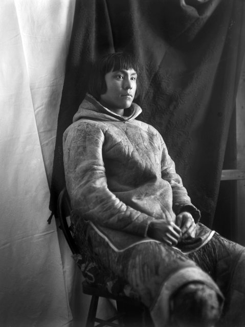 Geraldine accompanied her husband on expeditions to the police's detachment at the now-deserted Fullerton Harbour in Hudson Bay – an obscure, frozen point in Canada's far north in what is now Nunavut territory. Here: Inuit man, Kingnuck, of the Kinepetoo tribe, Fullerton Harbour, Nunavut, February 5, 1905. (Photo by Geraldine Moodie/The Guardian)