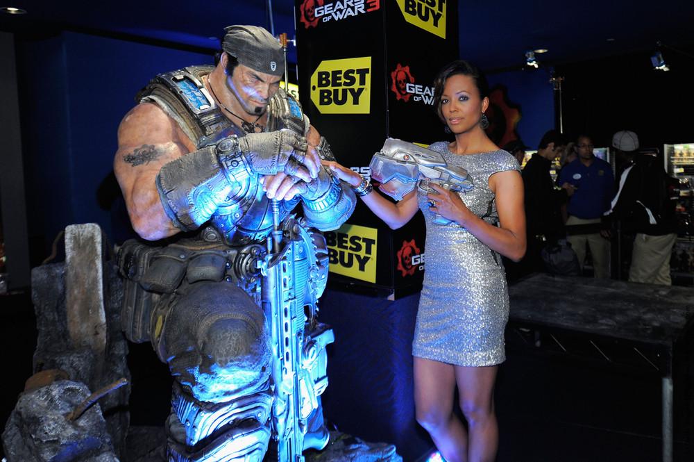 """Worldwide Launch Of """"Gears Of War 3"""""""